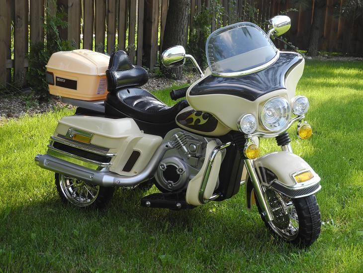 dreirad motorrad elektromotorrad f r kinder 2x6v 2x35w. Black Bedroom Furniture Sets. Home Design Ideas